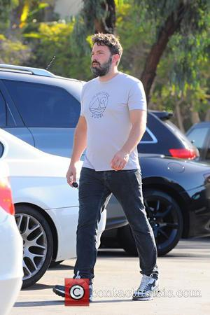 Ben Affleck - Ben Affleck and his mother, Christine, take his two girls, Violet and Seraphina, to the Farmers Market...