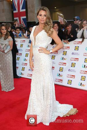 Danielle Lloyd - The Daily Mirror Pride of Britain Awards 2015 held at Grosvenor House Hotel - Arrivals at Grosvenor...