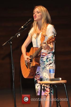 Jewel - Anderson's Bookshops presents a book signing and acoustic performance with Jewel in Wentz Hall at North Central College...