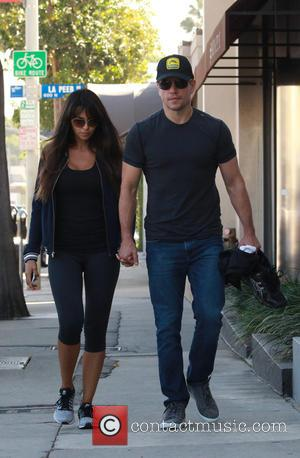 Matt Damon , Luciana Barroso - Matt Damon and his wife holding hands as they arrive at their local gym...