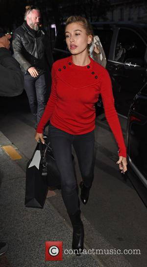Hailey Baldwin - Hailey Baldwin leaving the Colette store in Paris - Paris, France - Friday 2nd October 2015