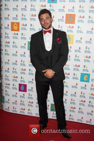 Duncan James - The Shooting Star Chase Ball held at the Dorchester - Arrivals - London, United Kingdom - Saturday...