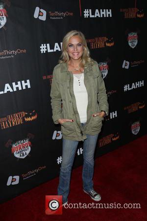 Elaine Hendrix - Los Angeles Haunted Hayride Black Carpet at Griffith Park - Arrivals - Los Angeles, California, United States...