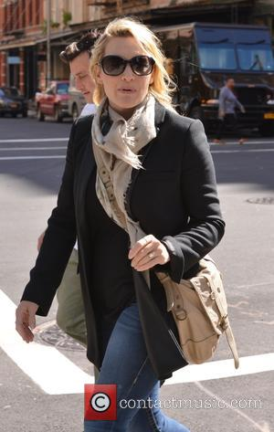 Kate Winslet - Kate Winslet out and about in New York - Manhattan, New York, United States - Monday 5th...