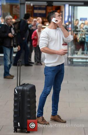 Bruno Langley - Celebrities arrive at Manchester Piccadilly Train Station Manchester - Manchester, United Kingdom - Monday 5th October 2015