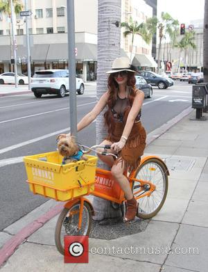 Phoebe Price - Phoebe Price out in Beverly Hills with her dog Henry at beverly hills - Los Angeles, California,...