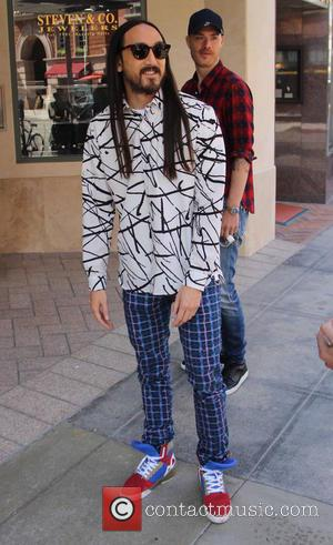 steve aoki - Steve Aoki filming in Beverly Hills at beverly hills - Los Angeles, California, United States - Monday...