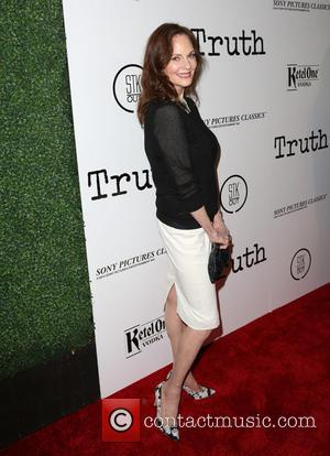 Lesley Ann Warren - Los Angeles Industry Screening of 'Truth' - Arrivals at Samuel Goldwyn Theater in Beverly Hills -...