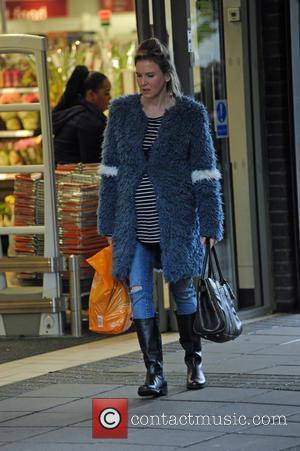 Renee Zellweger - Renee Zellweger filming in Sainsburys in Woolwich, London. - London, United Kingdom - Wednesday 7th October 2015