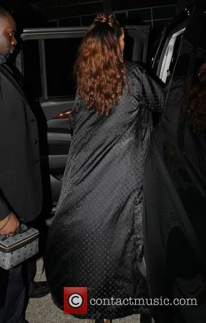 Rihanna - Rihanna and Tallulah Belle Willis leaving the MaMa Gallery in Los Angeles - Los Angeles, California, United States...