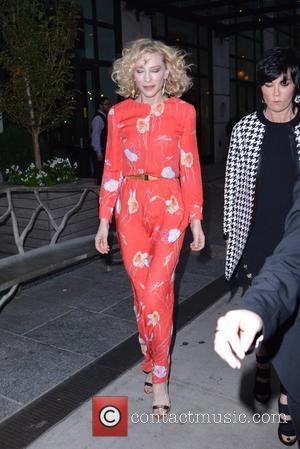 Cate Blanchett - Cate Blanchett leaves her New York hotel - Manhattan, New York, United States - Thursday 8th October...