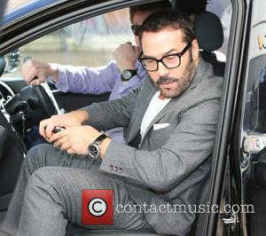 Jeremy Piven Involved In Collision With Cyclist