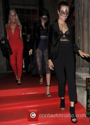 Poppy Delevingne, Kendall Jenner , Cara Delevingne - Cara Delevingne, Poppy Delevingne and Kendall Jenner leaving their hotel wearing masquerade...