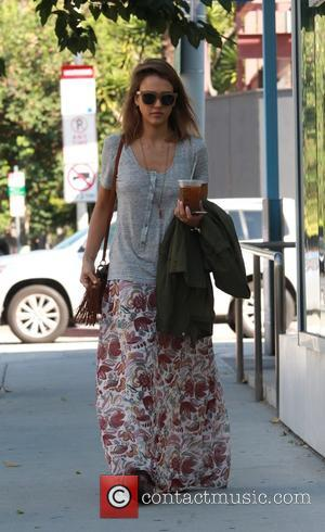 Jessica Alba - Jessica Alba spotted leaving Le Pain Quotidien on Columbus Day in West Hollywood - West Hollywood, California,...