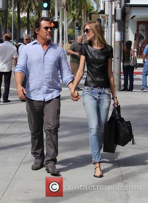 Josh Brolin , Kathryn Boyd - Josh Brolin shopping at Chanel in Beverly Hills at beverly hills - Los Angeles,...
