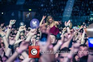 Atmosphere - American alternative dance duo 'Matt and Kim' performing live on stage at The SSE Arena, Wembley. at The...