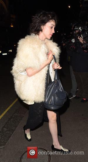 Annie Clark , St. Vincent - St. Vincent returning to hotel hotel ahead of her model girlfriend Cara Delevingne -...