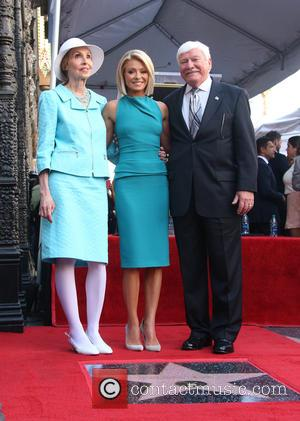 Kelly Ripa, Joseph Ripa , Esther Ripa - Kelly Ripa honored with star on the Hollywood Walk Of Fame at...