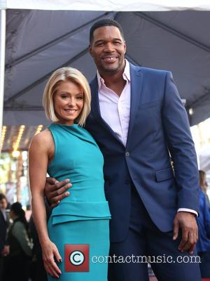 Kelly Ripa , Michael Strahan - Kelly Ripa honored with star on the Hollywood Walk Of Fame at The Hollywood...
