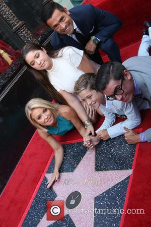 Kelly Ripa, Mark Consuelos, Michael Joseph Consuelos, Lola Grace Consuelos , Joaquin Antonio Consuelos - Kelly Ripa honored with star...