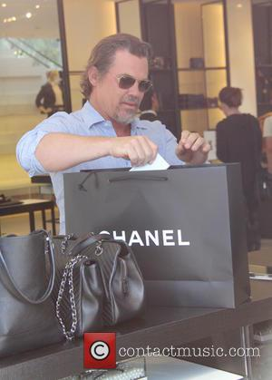 Josh Brolin , and girlfriend - josh brolin and gerlfrend shopping at beverly hills - Beverly Hills, California, United States...