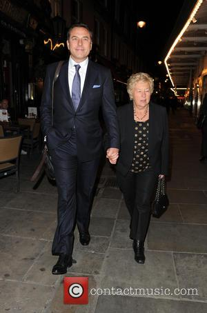 David Walliams , Kathleen Ellis - David Walliams takes his mother Kathleen Ellis out for dinner in central London -...