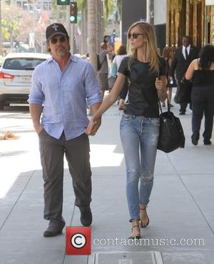 Josh Brolin , Kathryn Boyd - Josh Brolin holding hands with Kathryn Boyd as they go shopping in Beverly Hills...