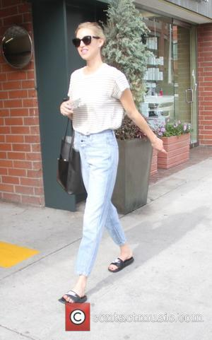 Whitney Port - Whitney Port gets a pedicure in Beverly Hills - Los Angeles, California, United States - Wednesday 14th...
