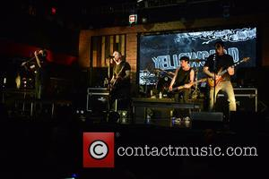 Sean Mackin, Ryan Key, Nate Young, Josh Portman, Ryan Mendez and Yellowcard