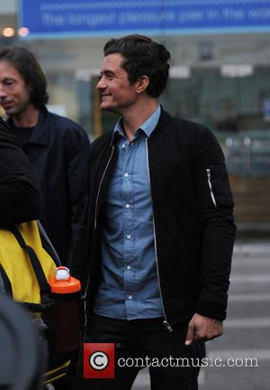 Orlando Bloom - Orlando Bloom seen filming on Southend Pier with Jamie Oliver with Jimmy Doherty for Jamie and Jimmys...