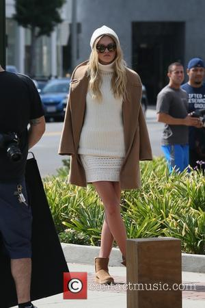 Guest - Rachel Zoe shooting a fashion line on Melrose Avenue - Los Angeles, California, United States - Thursday 15th...