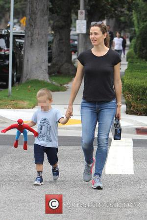 Jennifer Garner, Seraphina Rose Elizabeth Affleck , Samuel Garner Affleck - Jennifer Garner taking the kids out for the morning...