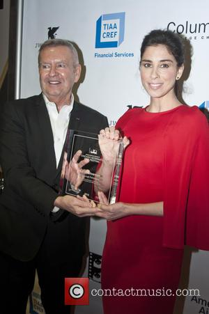 Sarah Silverman , Michael Kutza - Sarah Silverman accepts the Breakthrough Performance Award for the film 'I Smile Back' at...
