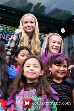 Dove Cameron and Fans