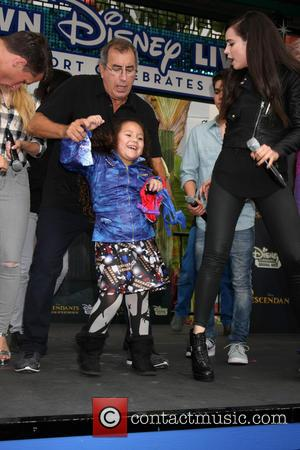 Kenny Ortega, Fan and Sofia Carson