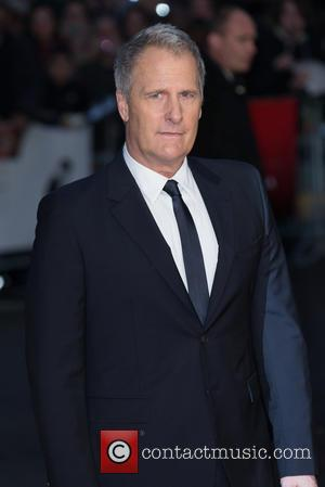 Jeff Daniels Refused To Cancel Broadway Gig For Infected Finger