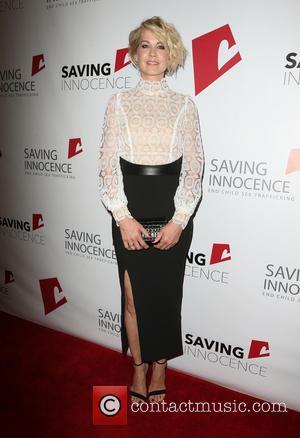 Jenna Elfman - Saving Innocence 4th Annual Gala - Arrivals at SLS Hotel - Beverly Hills, California, United States -...