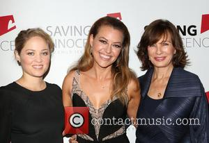 Erika Christensen, Kim Biddle and Anne Archer