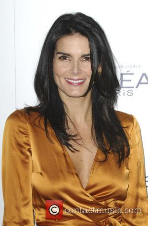 Angie Harmon - The 22nd Annual Elle Women in Hollywood - Los Angeles, California, United States - Tuesday 20th October...