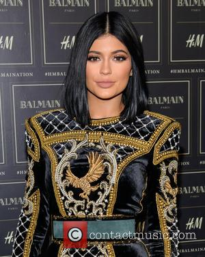 Kylie Jenner Goes Make-up Free! (7 Other Celebs That Slay Without Paint)