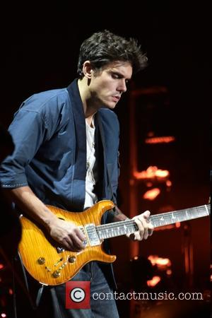 John Mayer - Billy Joel performing live on stage on his 22nd show in a row at Madison Square Garden...