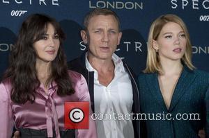 Atmosphere, Daniel Craig and Lea Seydoux