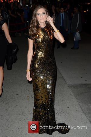 Allison Williams - 2015 Fashion Group International Night Of Stars - Outside Arrivals - Manhattan, New York, United States -...