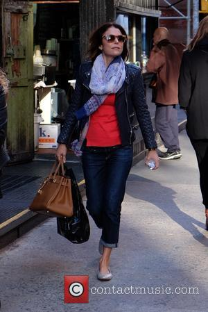 Bethenny Frankel - Bethenny Frankel out strolling in SoHo - New York City, New York, United States - Friday 23rd...