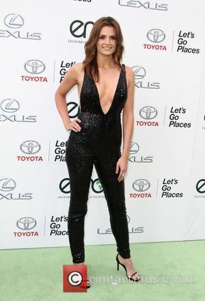 Stana Katic - 25th annual Environmental Media Awards at Warner Brother Studios Lot - Arrivals at Warner Bros. Studios -...