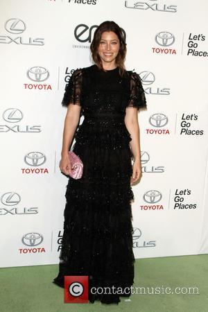 Jessica Biel - 25th annual Environmental Media Awards at Warner Brother Studios Lot - Arrivals at Warner Bros. Studios -...