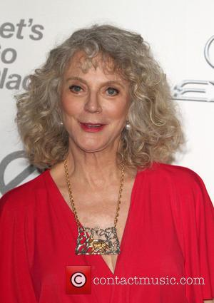 Blythe Danner - 25th annual Environmental Media Awards at Warner Brother Studios Lot - Arrivals at Warner Bros. Studios -...