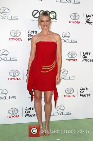 Amy Smart - 25th annual Environmental Media Awards at Warner Brother Studios Lot - Arrivals at Warner Bros. Studios -...