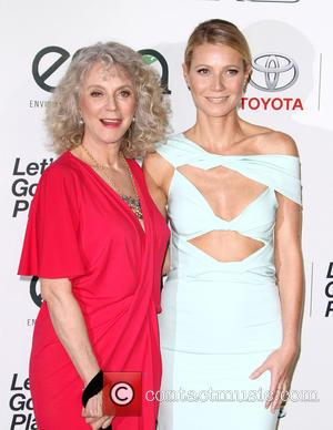 Gwyneth Paltrow , Blythe Danner - 25th annual Environmental Media Awards at Warner Brother Studios Lot - Arrivals at Warner...