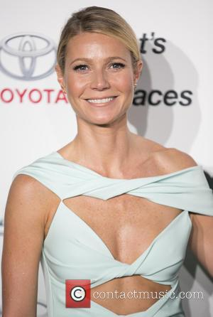 Gwyneth Paltrow - Celebrities attend 25th annual Environmental Media Awards at Warner Brother Studios Lot. at Warner Brother Studios Lot...